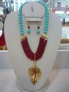 Collar rojo con turquesa, hermosa combinación