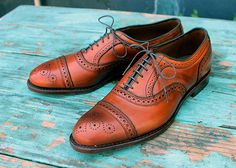 Win it: Allen Edmonds Strand Oxfords Reader Appreciation Week: Allen Edmonds Strands $395 Note: You can pick up a pair of these during Nordstroms Anniversary Sale for $259.90. You have to be a cardmember for early access with the sale opening to the general public (well have picks) on Fri. 7/21. Consider this week five days of saying thank you. Without your readership your emails and your willingness to spread the word Dappered wouldnt exist. The collection of good guys who frequent this…