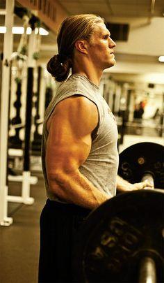 Google Image Result for http://www.bodybuilding.com/fun/images/2011/the-predator_d.jpg