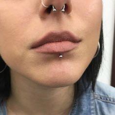 labret lip piercing pictures ,  #Labret #lip #pictures #Piercing Septum Piercings, Piercings Monroe, Lip Piercing Stud, Lip Piercing Labret, Lower Lip Piercing, Piercing Girl, Faux Piercing, Piercing Cartilage, Ear Peircings