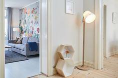 お部屋のアクセントになる個性的なアイテムをひとつ置いてみる。それだけでも室内の雰囲気が私らしくなります。