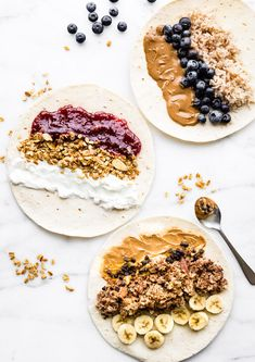 16 Easy (and Healthy) Breakfast Ideas for Back-to-School - There are three ways to make these gluten-free, grab-and-go breakfast wraps. Super simple and easy to make. Breakfast Wraps, Plant Based Breakfast, Free Breakfast, Breakfast Ideas, School Breakfast, Breakfast Burritos, Pancake Breakfast, Mexican Breakfast, Breakfast Sandwiches