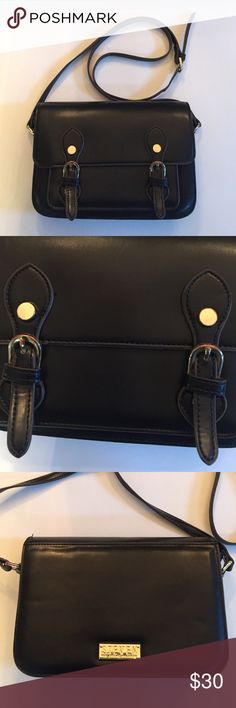 Steven Steve Madden Black Satchel Crossbody Purse Excellent condition black Steven Steve Madden satchel Crossbody purse! Has two compartments, as well as a zipper pocket and two open pockets. Has some discoloration on the tops of the buckles as pictured. Steve Madden Bags Crossbody Bags