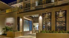 Hilton Garden Inn Waikiki Beach Hotel, HI - Entrance