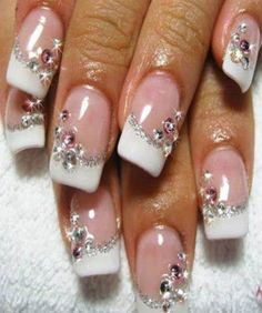 WHITE NAILS WITH STONES