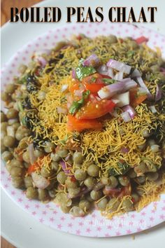 Boiled Peas Chaat Recipe - Zero Oil Recipes with step wise pictures. Healthy and low fat green peas chaat which has no oil in them. This chaat is super delicious and nutritious. Pea Recipes, Sprout Recipes, Vegetarian Recipes, Gujarati Recipes, Indian Food Recipes, Asian Recipes, Savory Snacks, Healthy Snacks, Chats Recipe