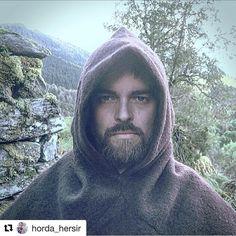 #Repost fra kjekke @horda_hersir with @repostapp . Looking good! Takk  ・・・ Skjoldehamnhette fra @klesarven Skjoldehamnhood from Norway.#skjoldehamnhood#vikinghood#kulturarv#ull#ullklær#oldclothing#vikingreenactment