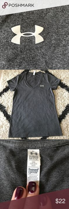 New Under Armour Tee! Never worn or washed dri fit V-neck! Size XS but could fit XS or S:) Under Armour Tops Tees - Short Sleeve