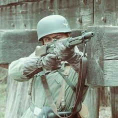 Narvik, Luftwaffe, German Soldiers Ww2, German Army, Military Art, Military History, Military Photos, Germany Ww2, Ww2 History