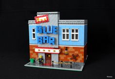 A classy bar worthy of any LEGO town