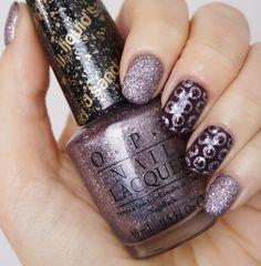 Glitter-Dot-Nails mit OPI
