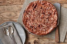 Den klassiske franske chokoladekage Gateau Marcel er en fyldig og intens kage - en perfekt dessert. Opskriften stammer fra programmet Spise med Price.