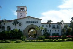 Front Entrance of Santa Barbara Courthouse Photo - StoppingPoints.