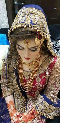Beautiful Jewelry diy bracelets,Fashion jewelry necklace and Jewelry diy storage. Pakistan Bride, Pakistan Wedding, Pakistani Wedding Outfits, Bridal Outfits, Bridal Photoshoot, Bride Look, Wedding Wear, Wedding Ring, Bridal Lehenga