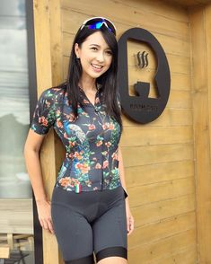Bicycle Women, Bicycle Girl, Sporty Girls, Sporty Outfits, Sexy Asian Girls, Beautiful Asian Girls, Female Cyclist, Pedal, Girls Golf