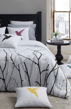 Treetop and bird theme bedding