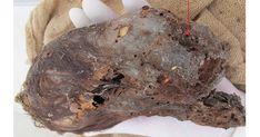 Tête momifiée de bébé nouveau-né avec Extrêmement Allongée Crâne trouvé au Pérou