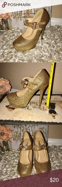 "Gold Glitter Platform Heels Size 7 Gold Glitter Platform Heels Women's Size 7-Heel Size 5"". Heels worn once for homecoming. Charlotte Russe Shoes Platforms"