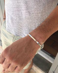 Les couples simple en acier inoxydable élégant demi-Ouvert Bracelet Rigide Poignet Pour Cadeau