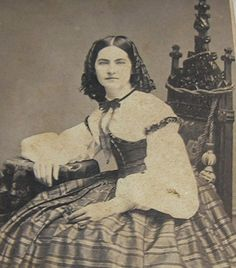 CDV WELL TURNED OUT LADY  ID SARAH HAGGERTY NY CA 1860'S