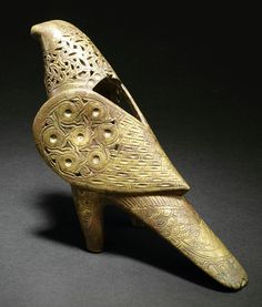 A fine Khorassan pierced and engraved bronze incense burner in the shape of a bird.Hammer (EUR)5500