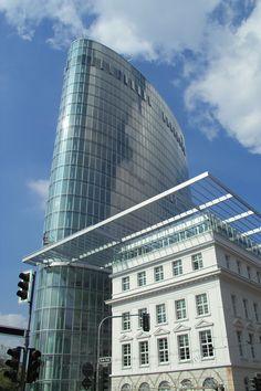 Im elliptischen GAP15 nahe der Düsseldorfer Königsallee befinden sich zahlreiche moderne Büroräume