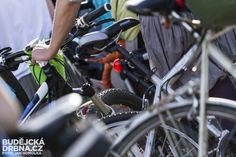 Cyklistům v Libereckém kraji začne sloužit první úsek nově budované cyklostezky sv. Zdislavy. Více než tříkilometrovou první etapu, která spojuje Svor a Nový Bor na Českolipsku vybudovaly Lesy ČR. Stálo to 13 milionů korun, cyklisté na něj budou moci poprvé vyrazit v sobotu 6. května. Lesy, Bicycle, Bicycle Kick, Bicycles, Bmx, Bike