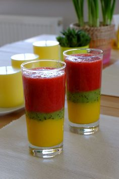 Healthy snacks for dogs with diabetes treatment guidelines 2016 Smoothie Drinks, Fruit Smoothies, Smoothie Recipes, Dinner Recipes For Kids, Kids Meals, Decoration Cocktail, Healthy Drinks, Healthy Snacks, Strawberry Smoothie