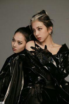 Somin and Jiwoo Joker, Kpop Girl Groups, Kpop Girls, K Pop, White Hair Highlights, Korean Girl, Asian Girl, Cool Girl, My Girl