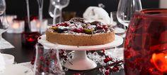 Sinisen hetken suklaamoussekakku on juhlapöydän tähtivieras.