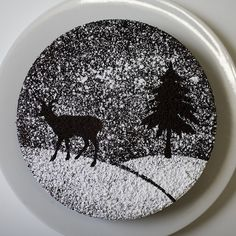 Beautiful looking Christmas cake with a silhouette design. The design on top has been made to look like a peaceful snowy Christmas evening in the woods with pine trees and a solitary deer roaming around. Christmas Cake Designs, Christmas Cake Decorations, Holiday Cakes, Christmas Desserts, Christmas Treats, Christmas Baking, Christmas Cookies, Christmas 2019, Chocolate Christmas Cake