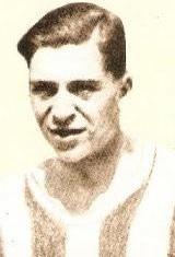 Francisco Castro - Francisco Pinto de Castro nasceu no dia 1 de Abril de 1910. Na temporada de 1927/28, estreou-se na equipa principal do S.C. Salgueiros. Em 1928/29 ingressou no Futebol Clube do Porto para só deixar o clube em 1935/36, quando pendurou as chuteiras. Sagrou-se pela primeira vez Campeão Nacional em 1931/32, numa equipa que era orientada por Josef Szabo e foi novamente Campeão Nacional em 1935/36. Conquistou por oito vezes o Campeonato do Porto,  tantas quantas as temporadas em…