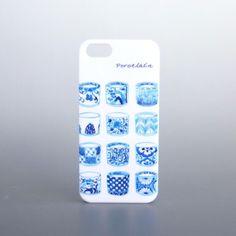 【 陶器のようなスマホケース*Porcelain 】…機種名のお知らせをお忘れなく!白磁に藍色で絵付けをしたようなスマホケース「Porcelai...|ハンドメイド、手作り、手仕事品の通販・販売・購入ならCreema。