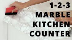 DIY: Marmor kjøkkenbenk  Se så enkelt du kan få en marmorbenker med selvklebende folie. Folien er slitesterk, tåler varme og fukt👌  www.lindasdekor.no  #kontaktplast #marmor #kjøkken #kjøkkenbenk #marmorfolie #tips #inspirasjon #marmorbenk #marmorbord #interiør #hjem Marble Kitchen Counters, Diy, Marble, Marble Kitchen Countertops, Bricolage, Do It Yourself, Fai Da Te, Diys