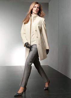 Short coat écru by Elégance, Paris