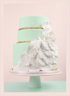 i kinda love this but instead of the white fluff -feathers!!  mint and gold wedding board - Google Search