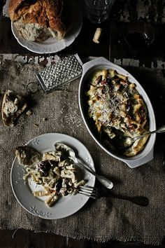 Pratos e Travessas: Macarronete cremoso com frango, cogumelos e chouriço # Small rigatoni with chicken, mushrooms and chouriço | Food, photo...