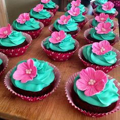 Just finished my cupcakes for a girls' only jewelry party. Which is just an excuse to eat, drink, and spend money on jewelry! They are quite pretty if I do say so myself. Luau Cupcakes, Yummy Cupcakes, Cupcake Party, Birthday Cupcakes, Moana Birthday Party, Moana Party, 1st Birthday Parties, Hawaiian Theme, Hawaiian Luau