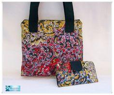 Conjunto bolso dos asas y billetera. Diseño cómodo y sencillo.  Tu elijes la tela y el diseño. Yo confecciono para ti un artículo único y personal