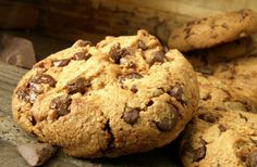 A legfinomabb csokis keksz, ahogy Amerikában csinálják Organic Chocolate Chip Cookie Recipe, Organic Cookies, Chocolate Chip Cookies, Easy Cookie Recipes, Sweet Recipes, Homemade Cookies, Organic Recipes, Food And Drink, Muesli