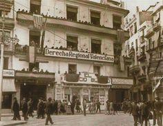 La Valencia desaparecida: Plaza de la Reina en 1935, Foto subida al foro Rem... Alicante, Where To Go, Trip Planning, Spain, Places To Visit, Street View, Explore, Architecture, Carrera