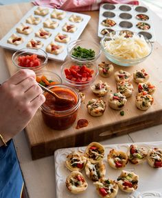 Healthy, homemade PIZZA BITES... You can freeze them too for fast after school snacks kids love!