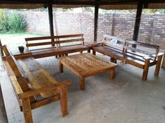 Pallet Lounge with Coffee table | 1001 Pallets
