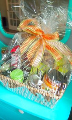 DIY: Easy, Fast, & Inexpensive Mothers Day Gift Baskets! I'll have to remember this for next year since I already got my mom's gift. maybe even do this for birthday or Christmas :)