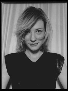 A Cate Blanchett está sempre bem. É o oposto da Nicole Kidman.