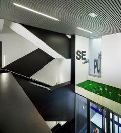 Centro de especialidades médicas de La Nucía - Crystalzoo Minimalism, Stairs, David, Home Decor, Modern Architecture, Buildings, Facades, Trendy Tree, Stairway