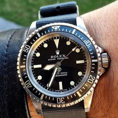 Sword Hands. The Rolex Military Submariner 5513.  Awesome. . . #vintagewatch #bobswatches #dailywatch #hodinkee #vintagestyle #vrf #vintagerolex #vintagerolexforum #vintagerolexasylum #rolexsubmariner #rolexpassion #rolexforum #submariner credit @youcanneverhaveenough