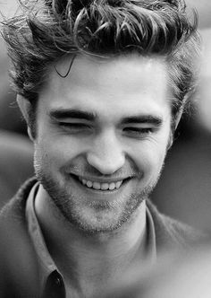 """That smile """" I do a lot of panicking. I get a ton of anxiety, right up until the second I get out of the car to the event, when suddenly it completely dissipates. But up until that moment I'm a nut case. """" ~ Robert Pattinson <3"""