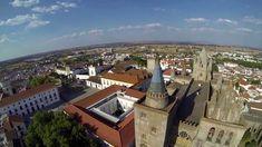 Um vôo de drone sobre Évora