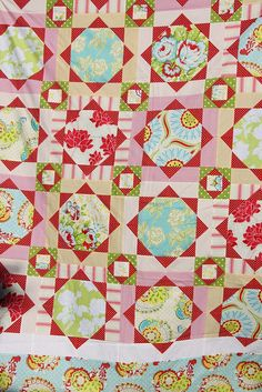 Strawberry fields quilt made by tins and needles, via flickr